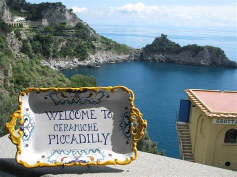piccadilly ceramics amalfi italy our ceramics will be a memory of your trip to italy