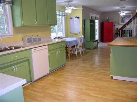 Kitchen Cabinet Ideas Paint | painting your kitchen cabinets painting tips from the pros