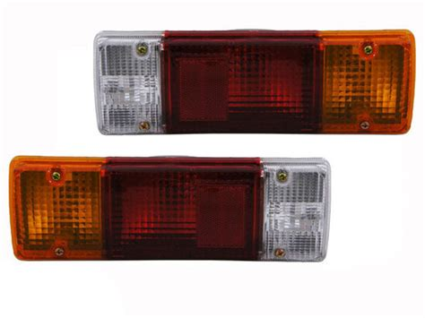 rear tail lights lamps pair left  toyota dyna truck   aftermarket