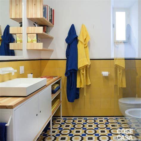 piastrelle bagno gialle 85 mq rinnovati con piastrelle decor effetto cementina