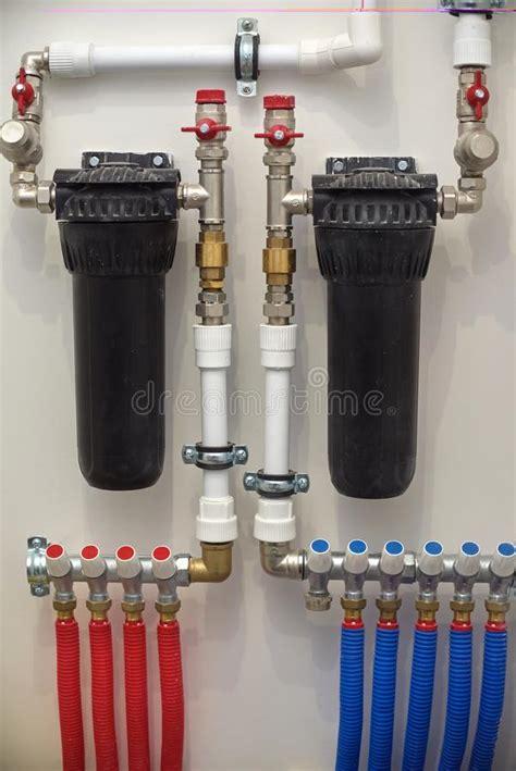 filtri rubinetti installazione dei filtri e della pompa su un letto