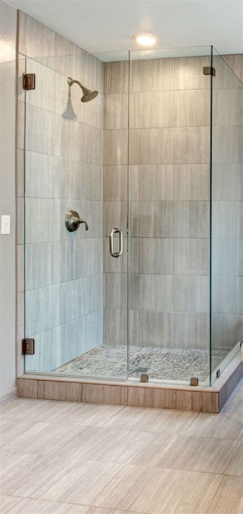 Shower Stall Ideas For A Small Bathroom 25 Best Ideas About Corner Showers On Pinterest Small Bathroom Showers Transitional Shower