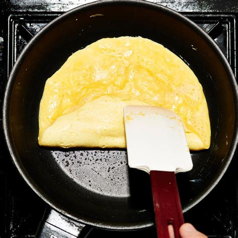 Kitchen Rolled Omelet Pan How To The Omelet Hint There Will Be