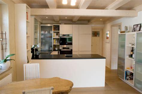 bild der küchen wohnzimmer braun rot