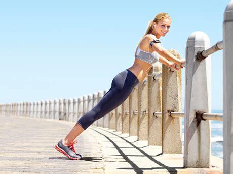 mujres asiedo los 6 mejores ejercicios para eliminar la celulitis en