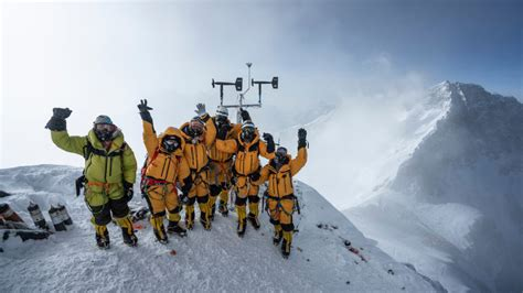 national geographic sets lost  everest expedition