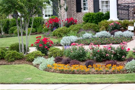 Flower Garden In Dallas Flower Plants Trees Green Landscaping Design Lawn Maintenance Dallas And Ne