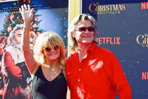 oliver hudson on christmas chronicles kurt russell e goldie hawn con figli e nipotini alla prima