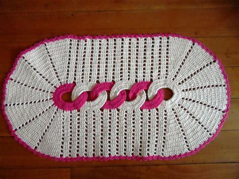 tapetes coloridos de croche jogos e amostra decoracao tapetes de barbante modelos e como fazer