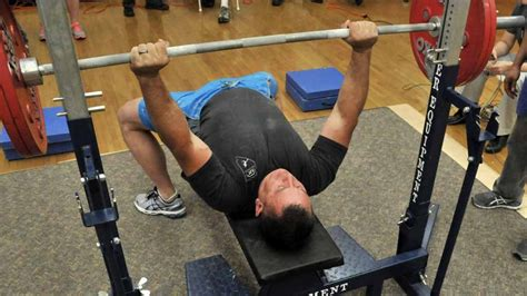 bench press games reigns bench press 28 images roman reigns bench press