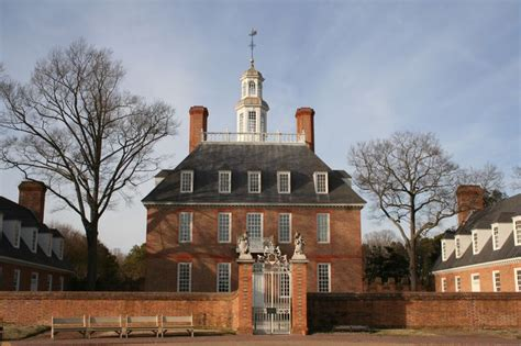 a colonial williamsburg affair tales takes and tips from a lifetime of visits books georgian architecture i believe this is the governors home