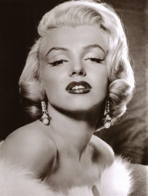 marilyn monroe the raucous royals becoming marilyn the real story