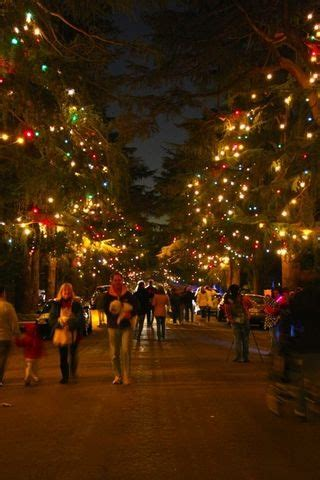 what are the dates for christmas tree lane in fresno 15 neighborhood that decorate their during ca limited