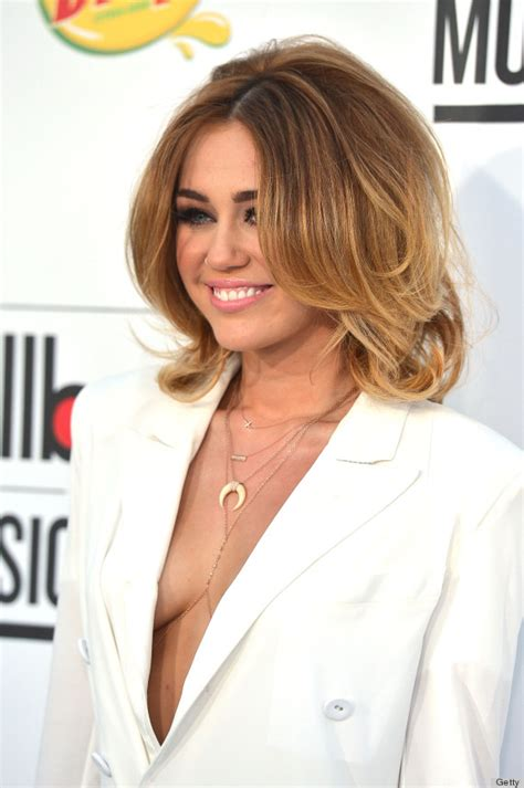 Miley Cyrus Billboard Music Awards 2012: Singer Wears
