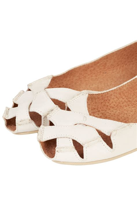 Topshop Bow Front Peep Toes topshop haiti peep toe sandals in white lyst