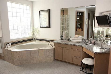 odd bathrooms odd shaped bathroom houseplans pinterest