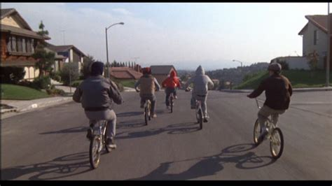 E T Bike Chase Scene by Movie Review E T The Extra Terrestrial 1982 A