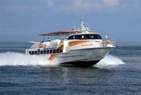 catamaran capsized australia tourist boat marina srikandi with 32 passengers capsized
