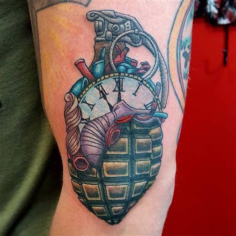 grenade tattoo best 25 grenade ideas on skull artwork