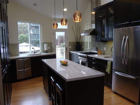 Modern Espresso Kitchen Cabinets by Applying The Espresso Kitchen Cabinets In A Modern Kitchen