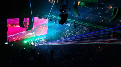 roger waters comfortably numb live roger waters quot comfortably numb quot live in dallas texas