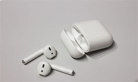 Apple Airpods Earphone Wireless 3 things to consider before investing in wireless headphones technowize