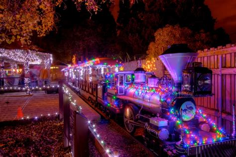 Christmas Train Rides In San Francisco Bay Area Zoo Lights Oakland