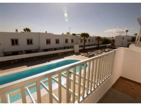 2 bedroom apartments puerto del carmen lanzarote los gracioseros apartment 2 bed holiday rental apartment