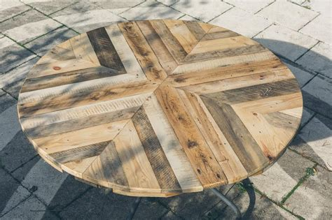 top ideas round top table made of pallets diy