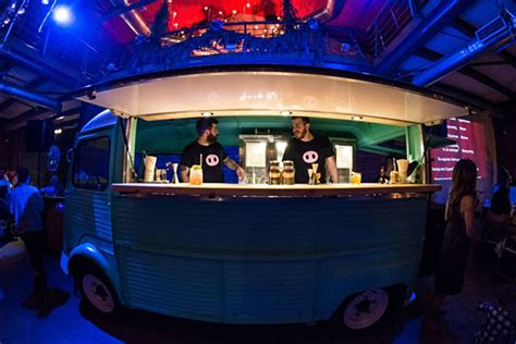 mobile drinks bar unique wedding reception ideas mobile cocktail bar chic