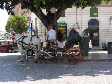 taxi giardini naxos taxi in messina sizilien italien bild fr 229 n giardini
