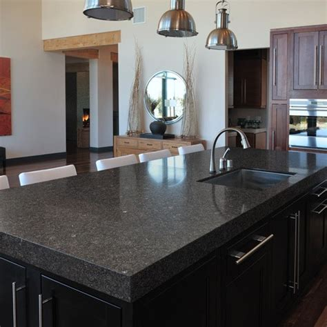 steel grey gepolijst graniet keukenbladen