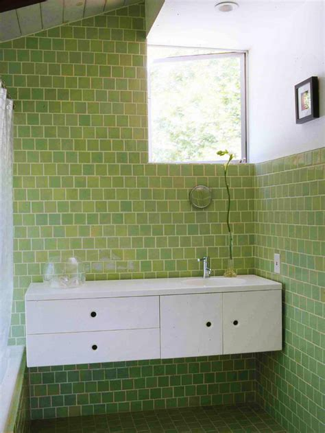 bathroom tiles for small bathrooms ideas