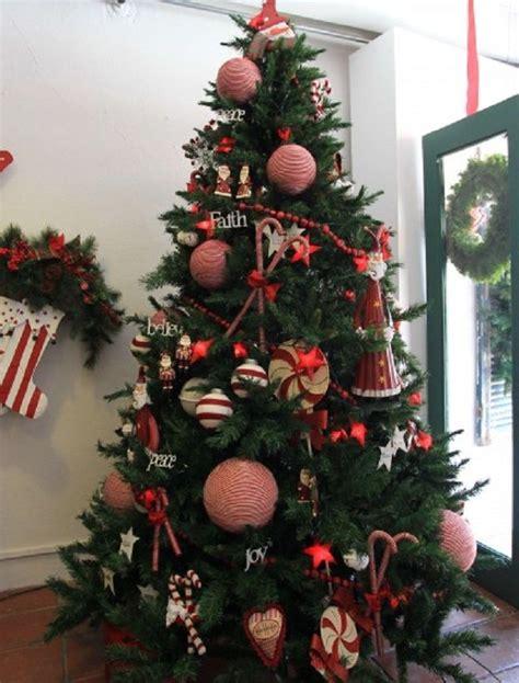 como decorar un pino navideño 2018 134 mejores im 225 genes de arboles en pinterest 193 rboles de