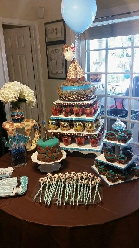 Boy Giraffe Baby Shower by 25 Best Ideas About Baby Shower Giraffe On