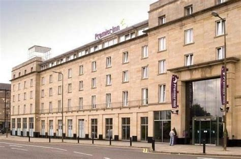 best hotel in edinburgh city centre premier inn haymarket edinburgh picture of leonardo