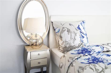 specchio cornice argento specchio argento riflessi d eleganza dalani e ora westwing