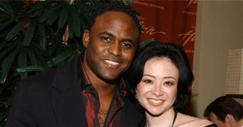 Wayne Brady Doesn't Forget the Divorce Papers   E! News