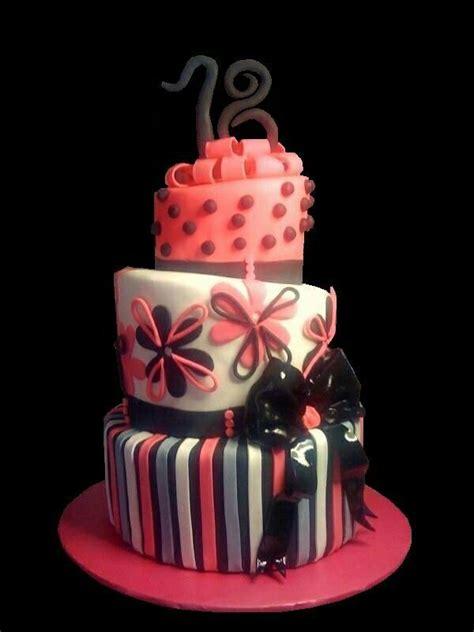 fiori per i 18 anni 17 migliori idee su torte a piani su torta a 3