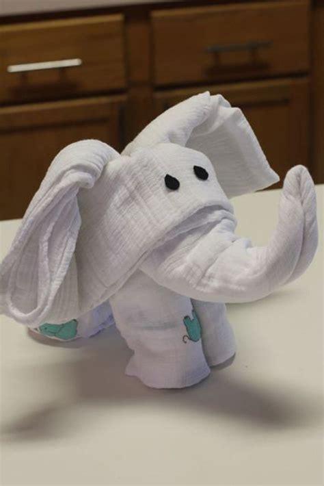 Towel Origami Elephant - 30 creative towel origami diys and design