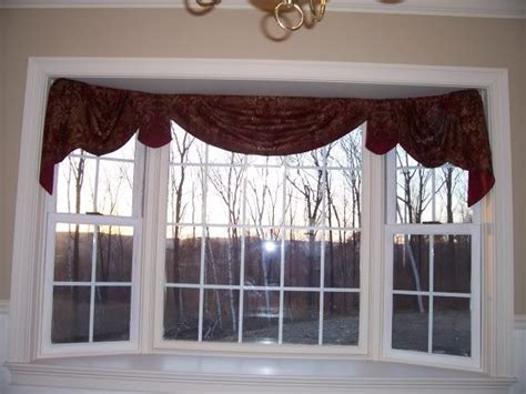 kitchen bay window curtains top 25 ideas about bow window treatments on pinterest
