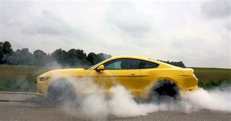 Mustang Auto Lock by Ford Mustang Gt So Geht Es Der Perfekte Burnout Mit
