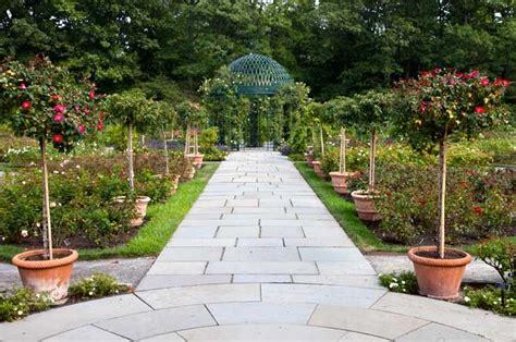Botanical Garden In Bronx Bronx Botanical Gardens Ny Gardens Pinterest