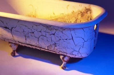can i repaint my bathtub how to repaint old cast iron bathtubs the rust stains and the o jays