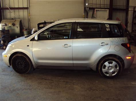 2005 toyota scion xa model standard 4 door hatchback 1 5l