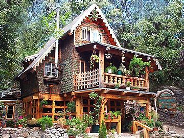 Madera Kubo Cabins madera kubo b b