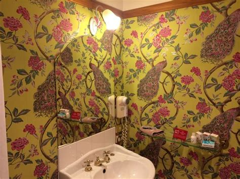 funky wallpaper for bathrooms the funky bathroom wallpaper room 17 picture of larnach castle lodge dunedin