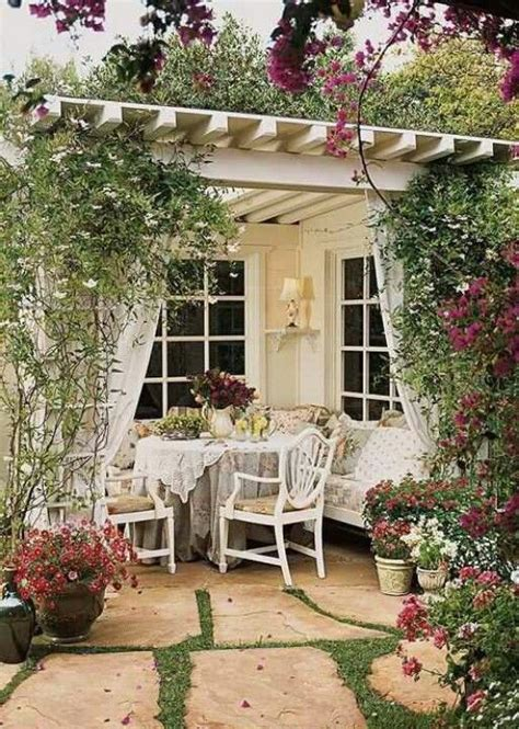 Lave Patio by Best 20 Shabby Chic Patio Ideas On