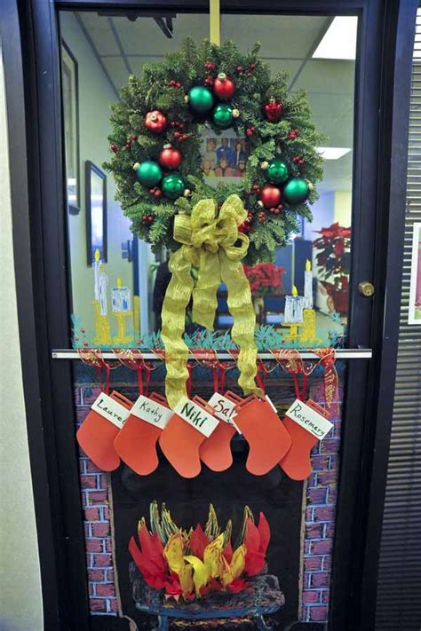 christmas office door contest idea 40 door decorating ideas celebrations
