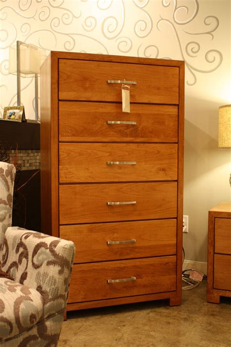 Staining Bedroom Furniture 5dr Maple Chest Brown Stain Solid Wood Bedroom Furniture